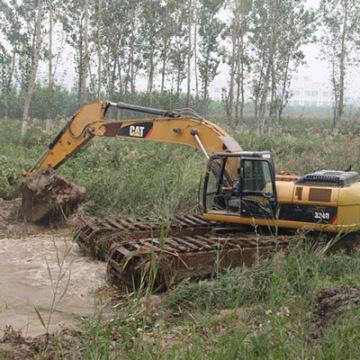 水陸兩用挖掘機!